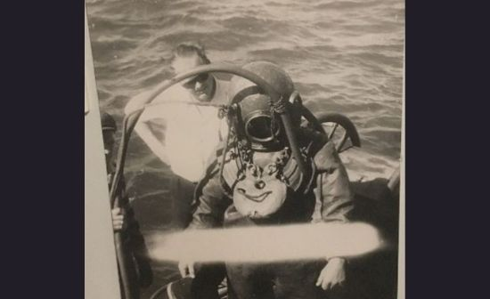 Chris Bamman's uncle Bob Davis doing the pier diving on the old batemans bay bridge along with officer Ron Edwards